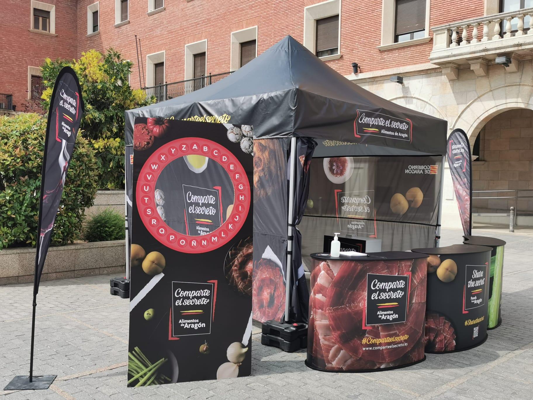 Carpa Aragón Alimentos junto a exposición Turismo de Aragón