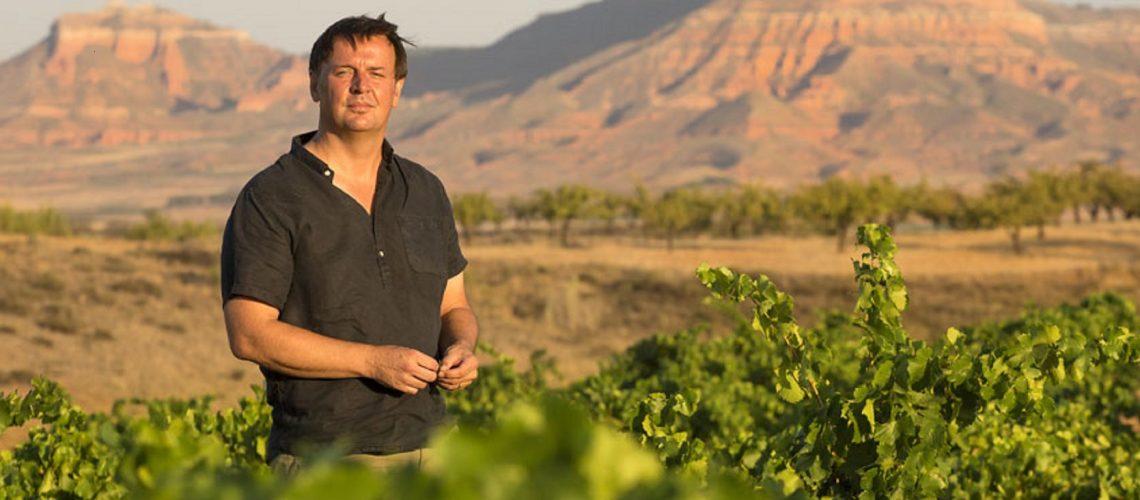 El Master of Wine Norrel Robertson en sus viñas